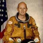 Gordon G Fullerton