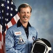 Robert L Hoot Gibson
